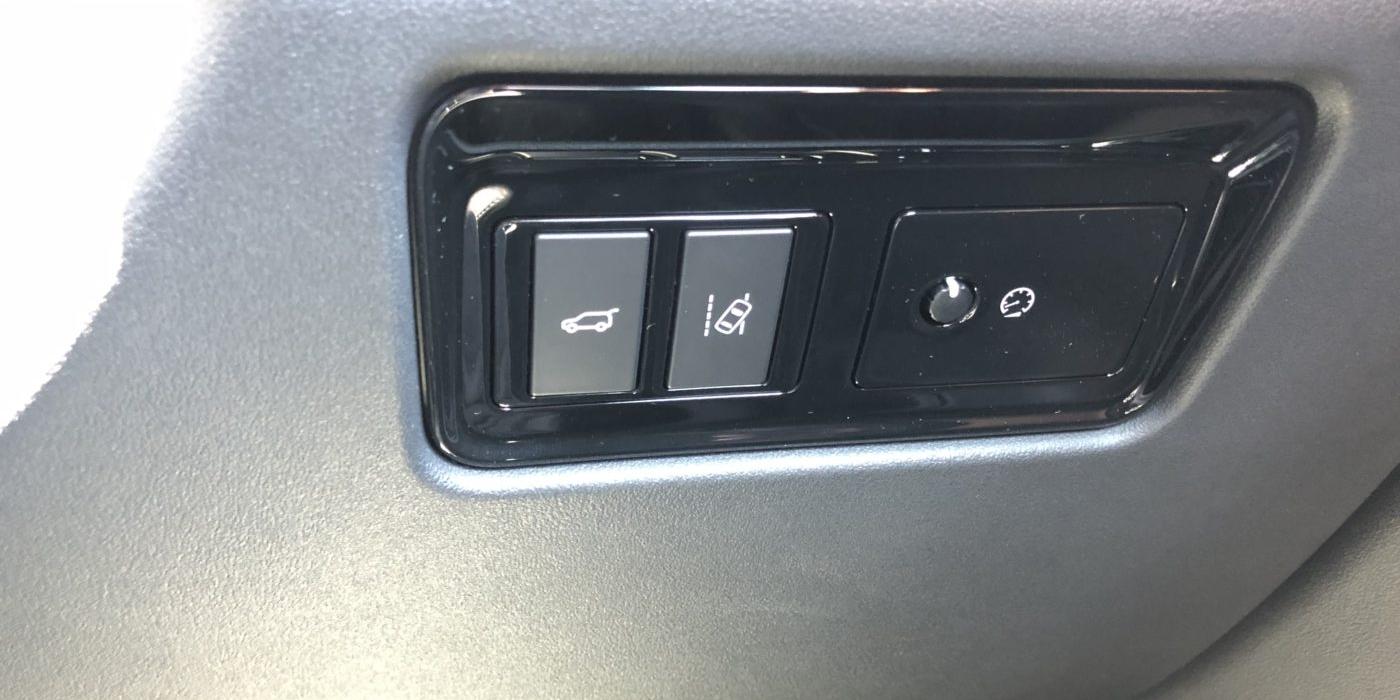 ジャガー Fペイス 20dピュア 4WD