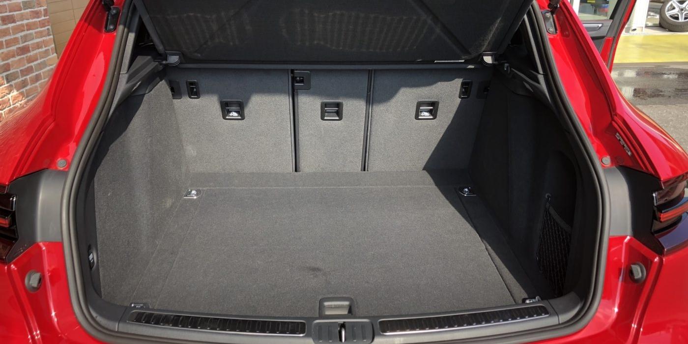 ポルシェ マカンGTS PDK 4WD