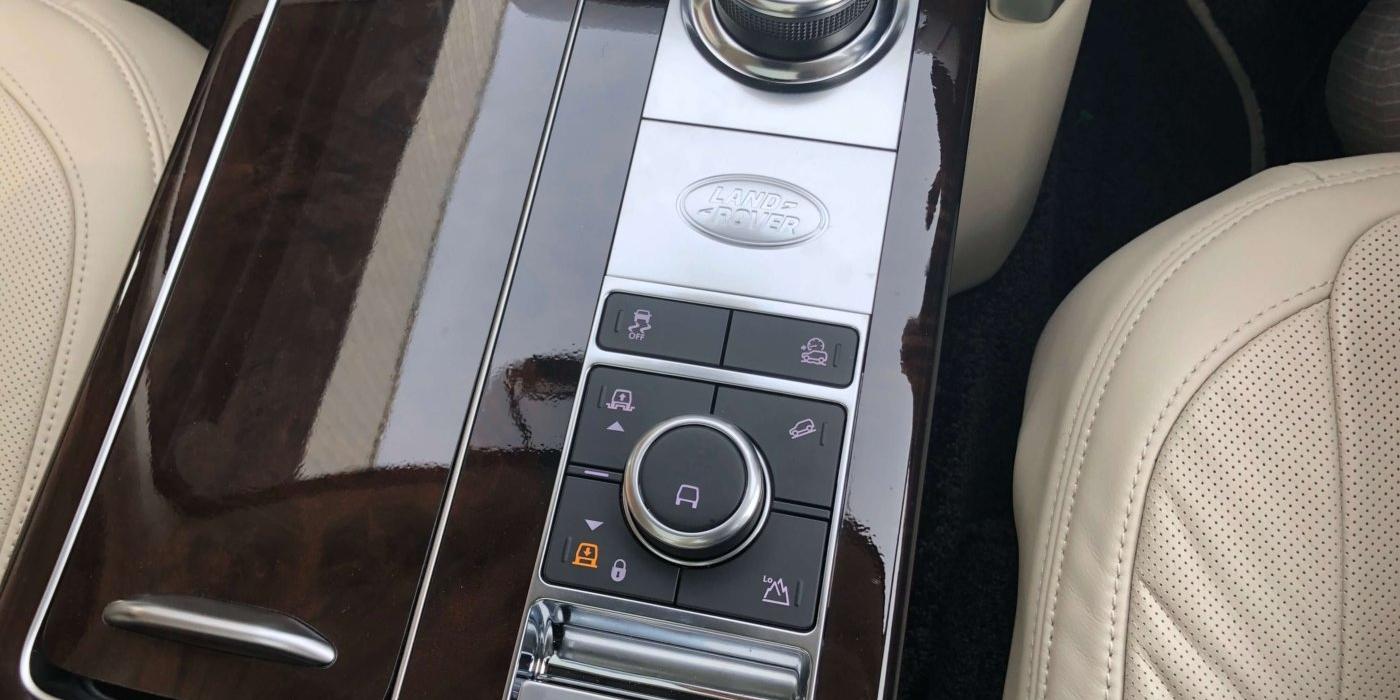 ランドローバー レンジローバーオートバイオグラフィ 4WD