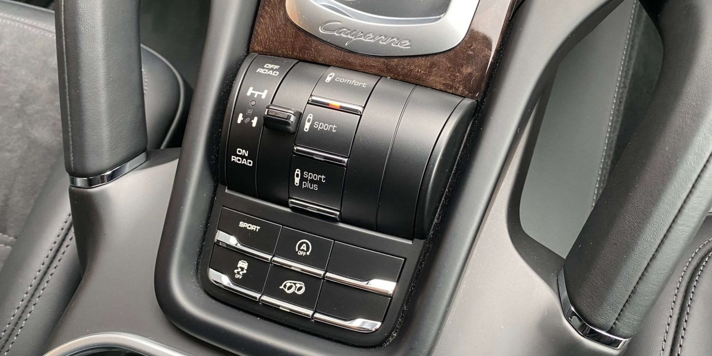 ポルシェ カイエンGTS ティプトロニックS 4WD