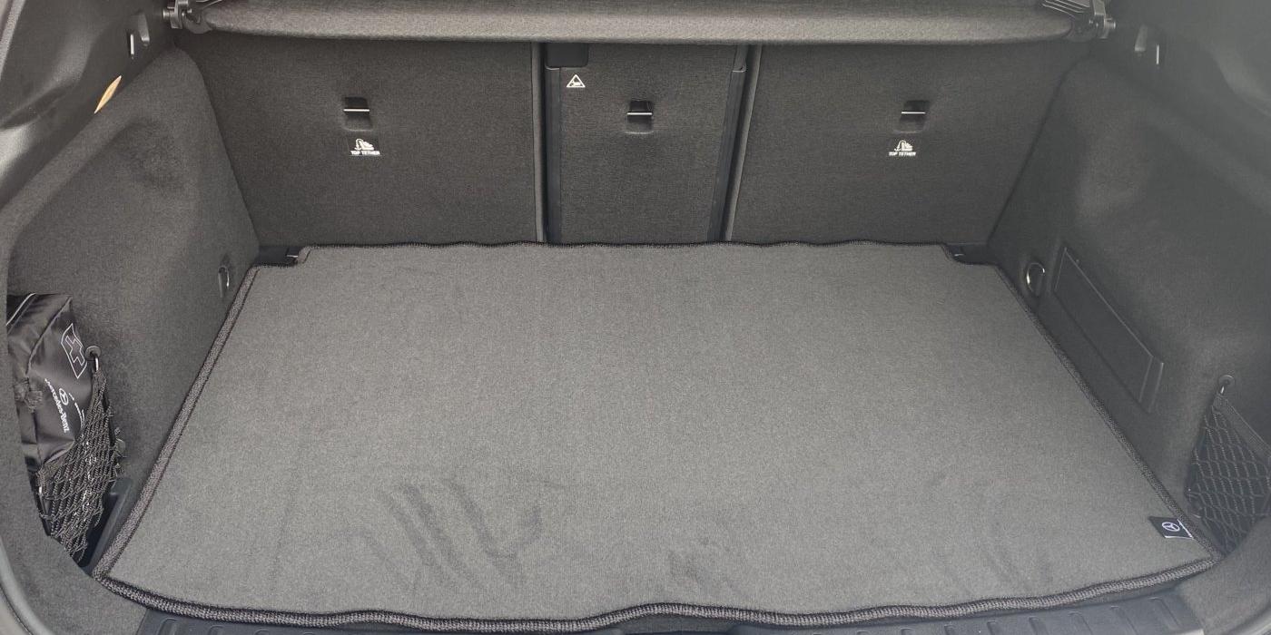 メルセデス・ベンツ GLA200d 4マチック